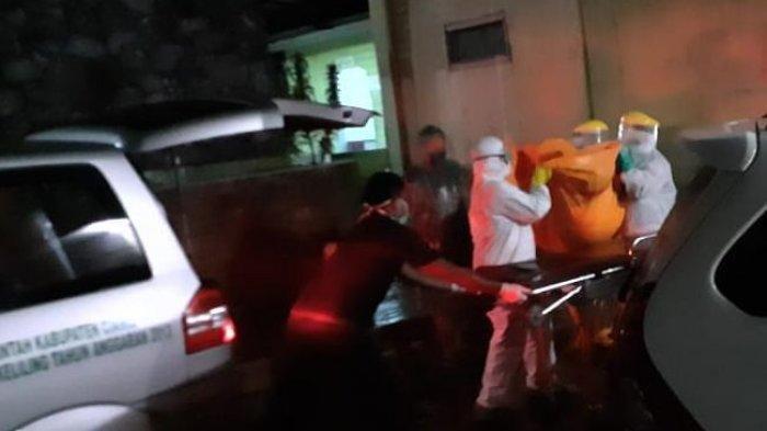 Mayat di Halaman Masjid Tak Ada yang Berani Mendekat, 'Telantar' Sejam Sebelum Ada Petugas Pakai APD