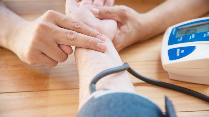 Stok Darah Berkurang Selama Covid-19, Puluhan Anggota Komunitas Tosca Donorkan Darah ke PMI
